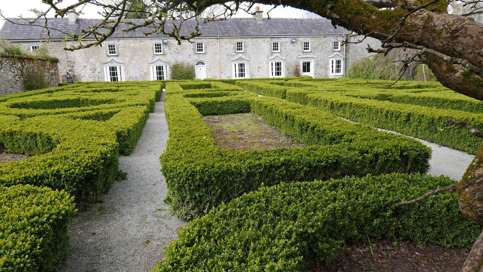 restaurants and food: doneraile. dine and stroll. lovely cafés
