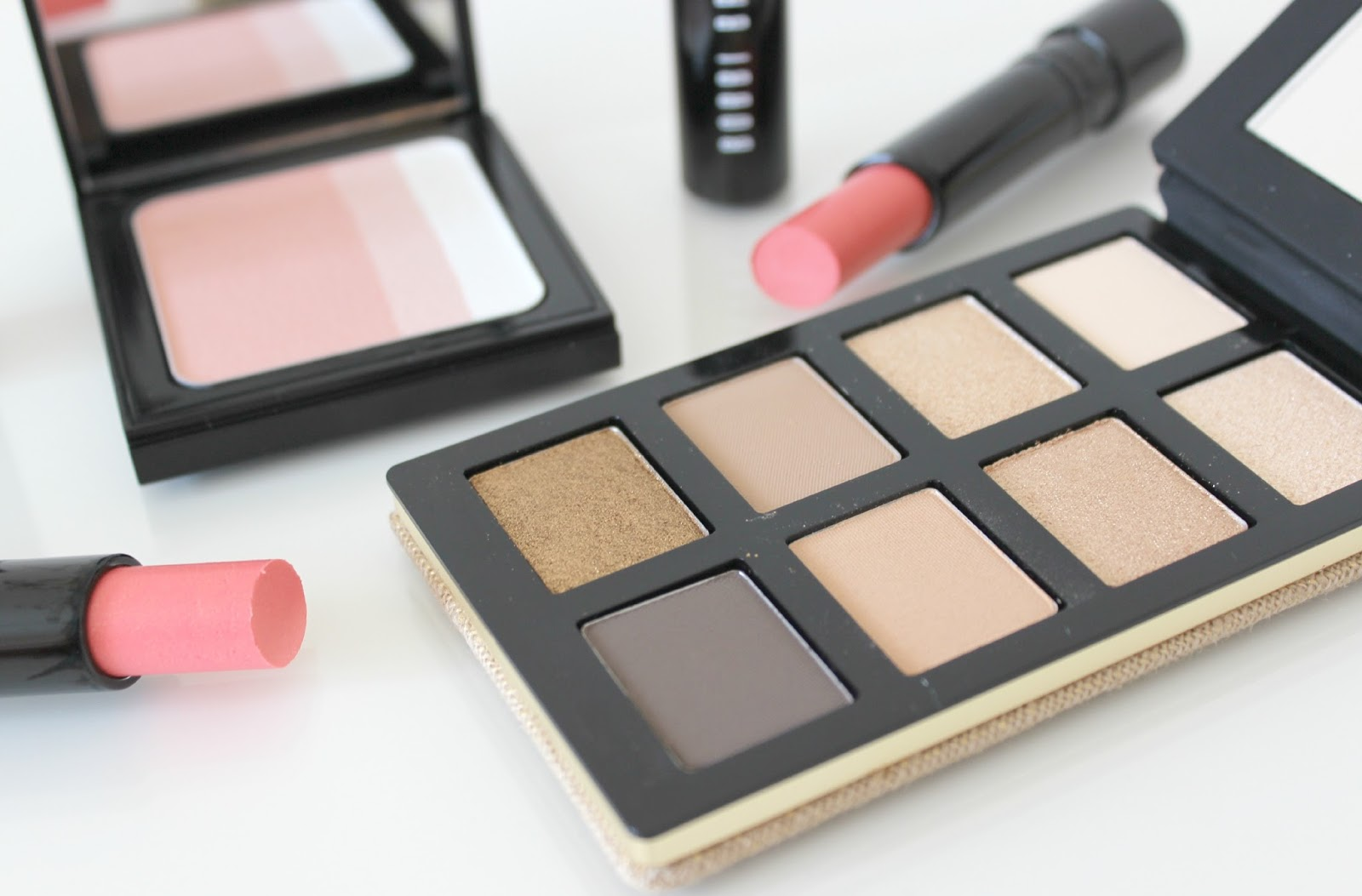 A picture of Bobbi Brown Surf & Sand Collection Sand Eye Palette