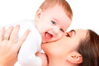 BAHAYA!!! Jika Bayi Keseringan Dicium