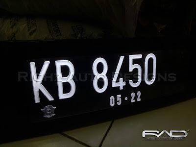 variasi plat nomor mobil grafir