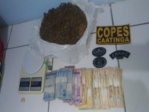Apreensões de drogas e cinco prisões nas cidades de Piranhas e Olho d'Água do Casado são registrados pela polícia