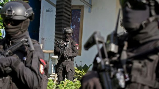 Nyaris! Terduga Teroris Ini Sudah Mengeluarkan Pisau Lipat, Lalu Anggota Densus 88....
