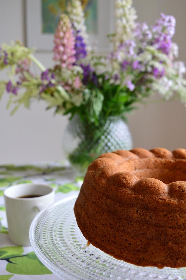 hapankermakakku, makea leivonnainen, kahvikakku