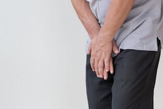 Salah satu penyakit kelamin yang perlu diwaspadai adalah Gonore. Penyakit ini menular melalui kontak seksual. Pada pria, Gonore biasanya menginfeksi uretra dan pada wanita biasanya menginfeksi uretra atau leher rahim atau keduanya. Infeksi dapat menyebar ke usus besar, tenggorokan, anus, dan organ pada panggul. Pada kasus yang jarang, penyakit ini juga dapat menginfeksi mata. Jika Gonore tidak segera ditangani dapat menyebabkan masalah serius. Pada wanita, jika Gonore dibiarkan dapat menjalar hingga uterus, tuba fallopi, dan indung telur. Hal ini dapat menyebabkan luka dan Penyakit Radang Panggul yang dapat mengarah pada kemandulan dan kehamilan ektopi (kehamilan di luar kandungan).