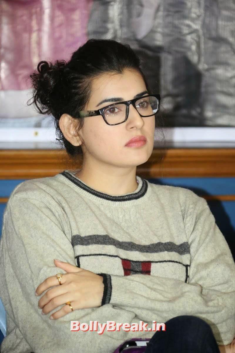 , Tamil Girl Archana hot Pics with Glasses