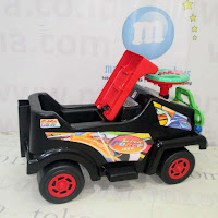 B&W Super Force Jeep Ride-On Car