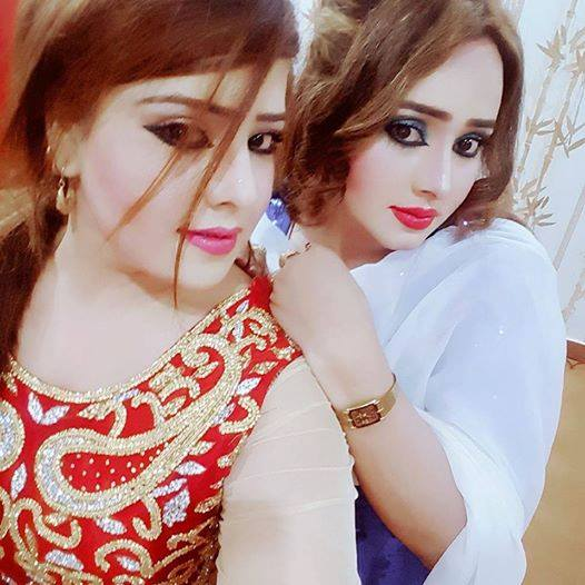 Nadia Gul And Sister New HD Photos 2017