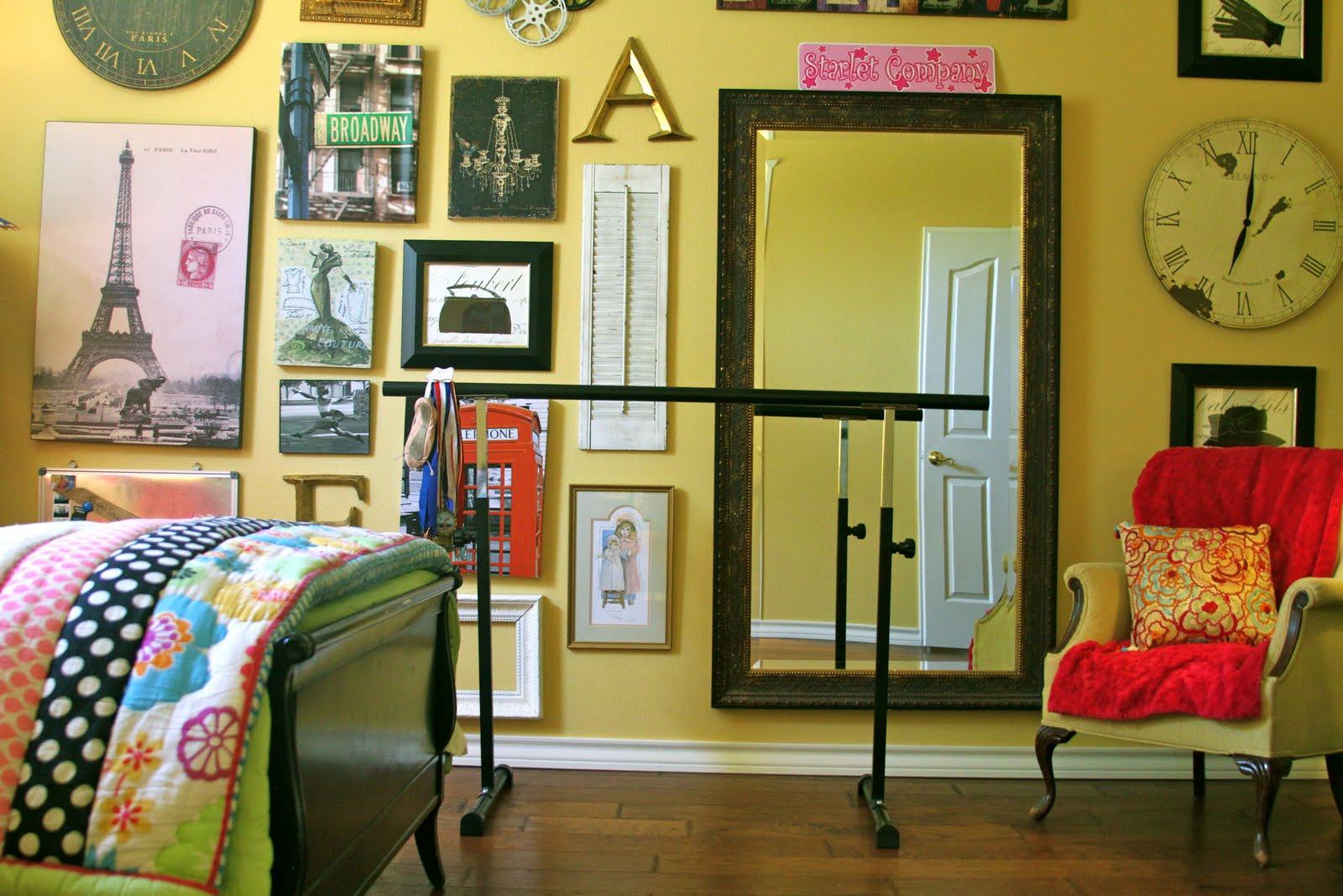 Remodelaholic modern tween room makeover - Dormitorio estilo vintage ...