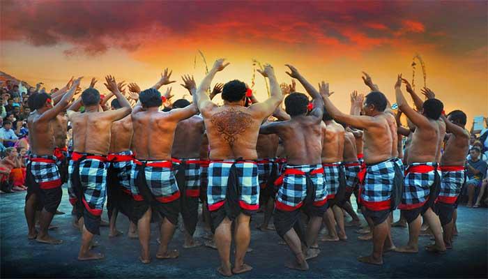 Inilah 4 Keunikan Tari Kecak Dari Bali Dan Penjelasannya