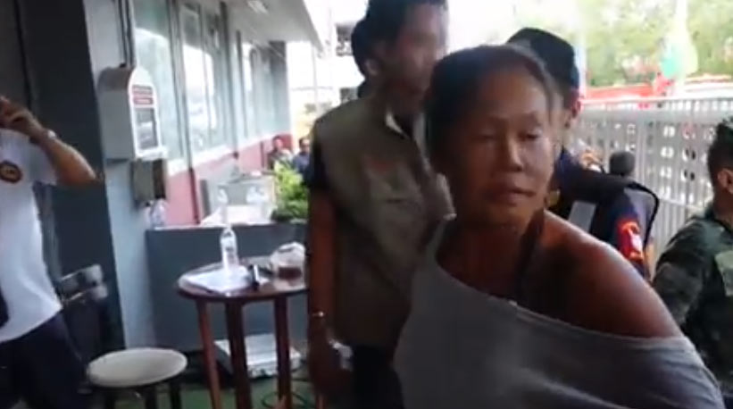 See what crowd did to woman who insulted late Thai king