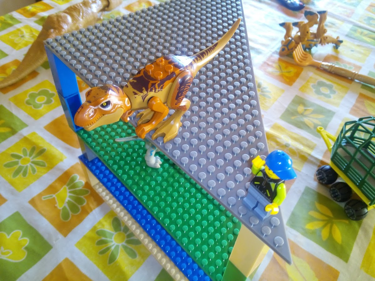 Bases apilables compatibles con Lego y dinosaurios Jurassic World Lego