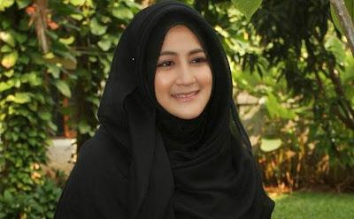 Istri Alm. Ustadz Jefri Al-Buchori akan Berdakwah di Banda Aceh