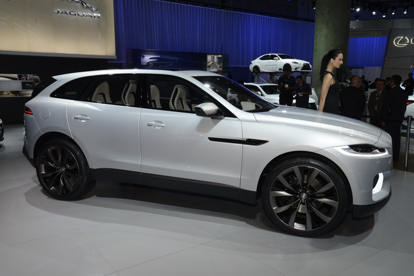 here 39 s proof that jaguar 39 s new f pace cuv looks just like the c x17 concept carscoops. Black Bedroom Furniture Sets. Home Design Ideas