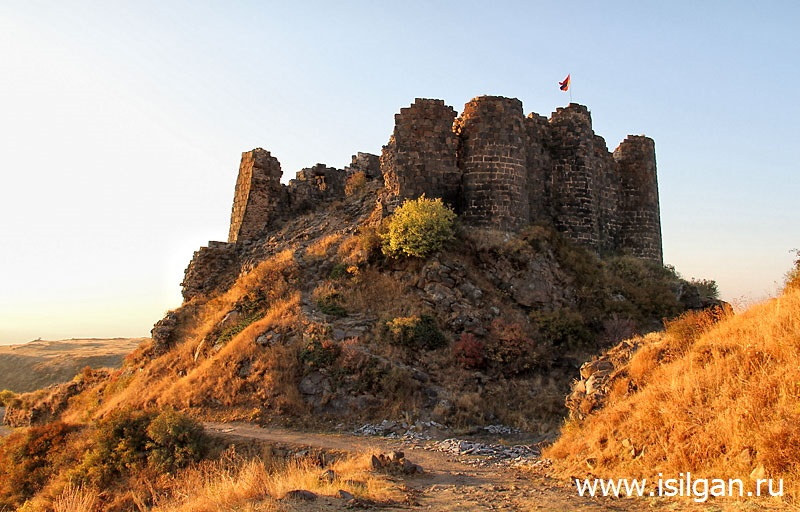 Gorod-krepost-Amberd-Armenija