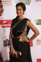 Sindhu looks fabulous in Black Saree designer choli at Mirchi Music Awards South 2017 ~  Exclusive Celebrities Galleries 027.JPG