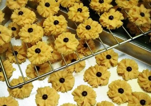 Beginilah cara membuat kue semprit yang lezat dan renyah