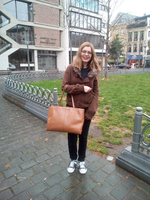 outfit ootd fashion style casual wear cold weather brown bag didi