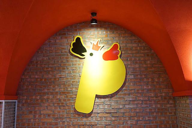 DSC00247 - 熱血採訪│逢甲朴大哥的韓式炸雞3月2日搬家擴大營業囉,下雨天人潮依舊多