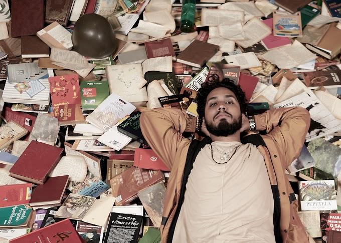 Rashid fala sobre histórias de suas composições em novo livro