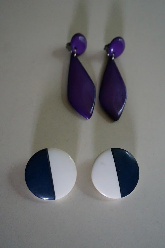 purple drop dangle earrings mod twiggy colorblock navy blue white 1960 1970 60s 70s