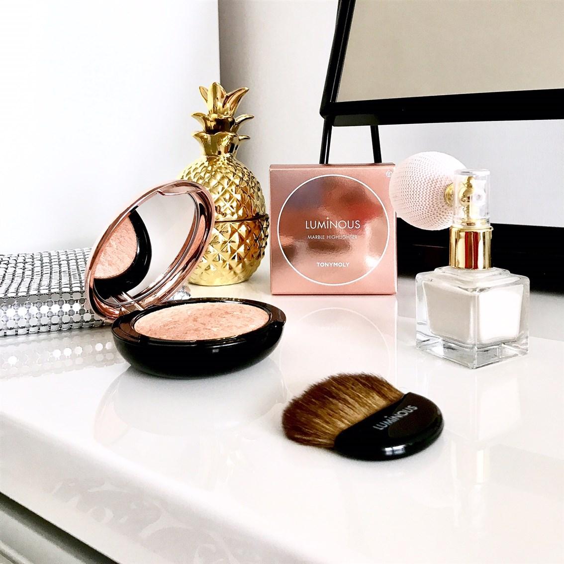 zdjęcie przedstawiające Tonymoly Luminous Marble Highlighter
