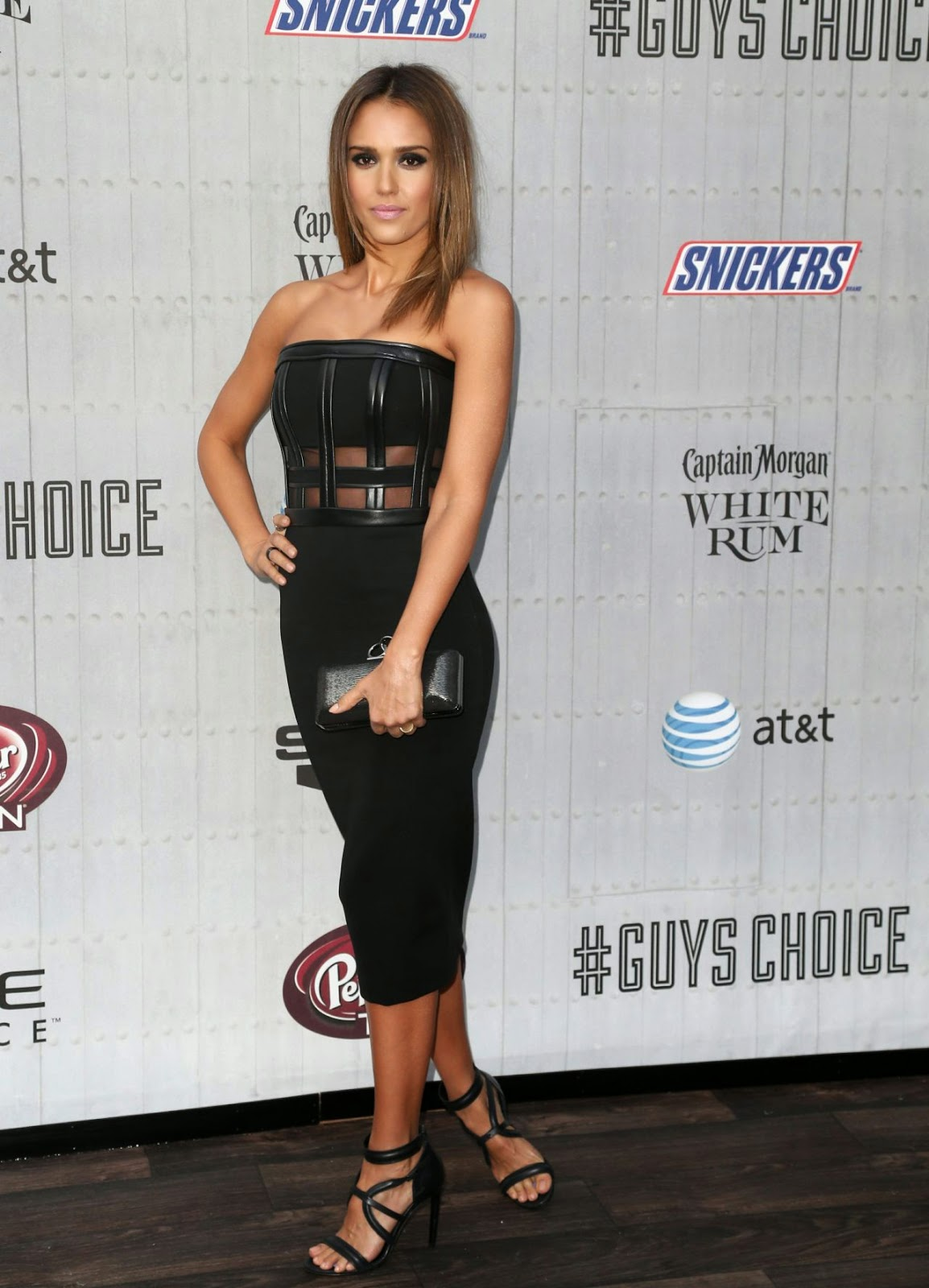 Enjoyable Jessica Alba In A Strapless Black Dress At The 2014 Spike Tvs Hairstyle Inspiration Daily Dogsangcom