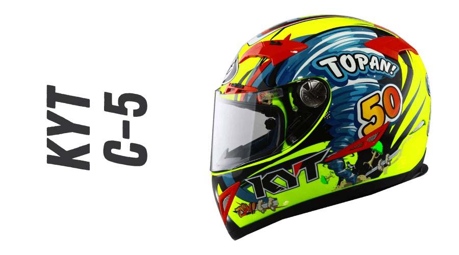 c1bbce50 Helm ini hadir dengan flat visor yang lengkap dengan slot antifog dan slot  tear off. Salain itu, visor KYT C5 juga memiliki visor lock ditambah ...