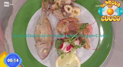 Frittura di paranza con insalata di ravanelli ricetta Salvatori da Prova del Cuoco