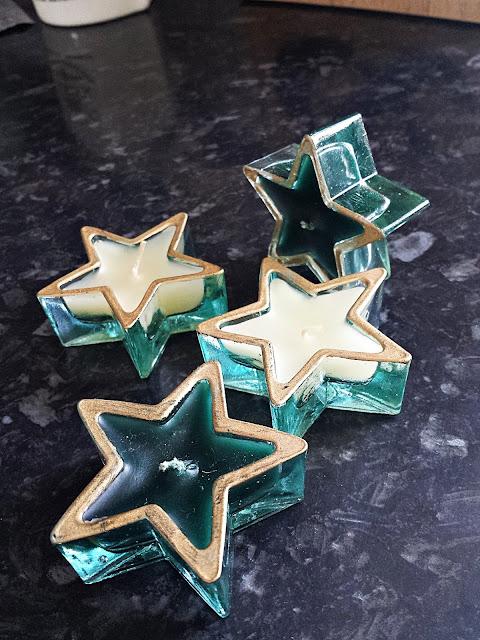 Szklane tealighty w kształcie gwiazdki