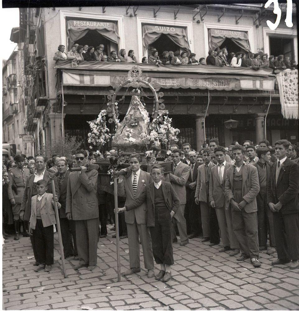 http://www.ayto-toledo.org/archivo/exposiciones/SemanaMariana/semanamariana2.asp?imagen0=15