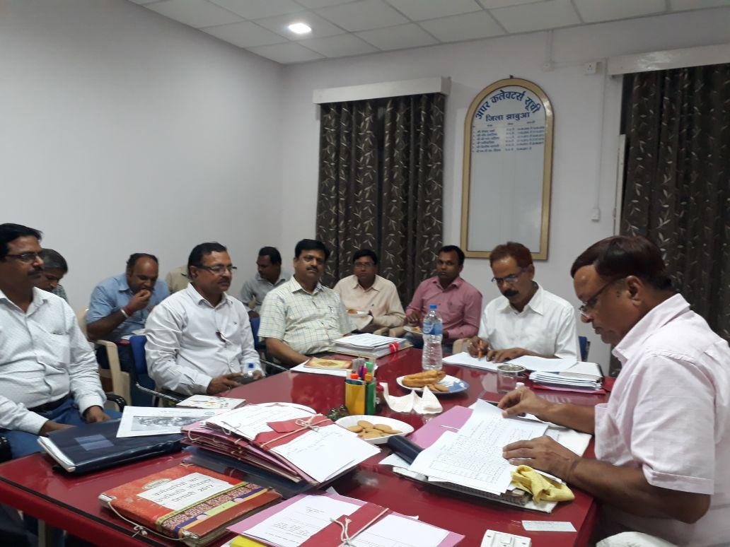 बकरी पालन व्यवसाय के लिए हितग्राहियों को प्रोत्साहित करे -ADM-Chauhan-instruct-in-the-meeting-regarding-Agriculture-Development-and-Farmer-Welfare