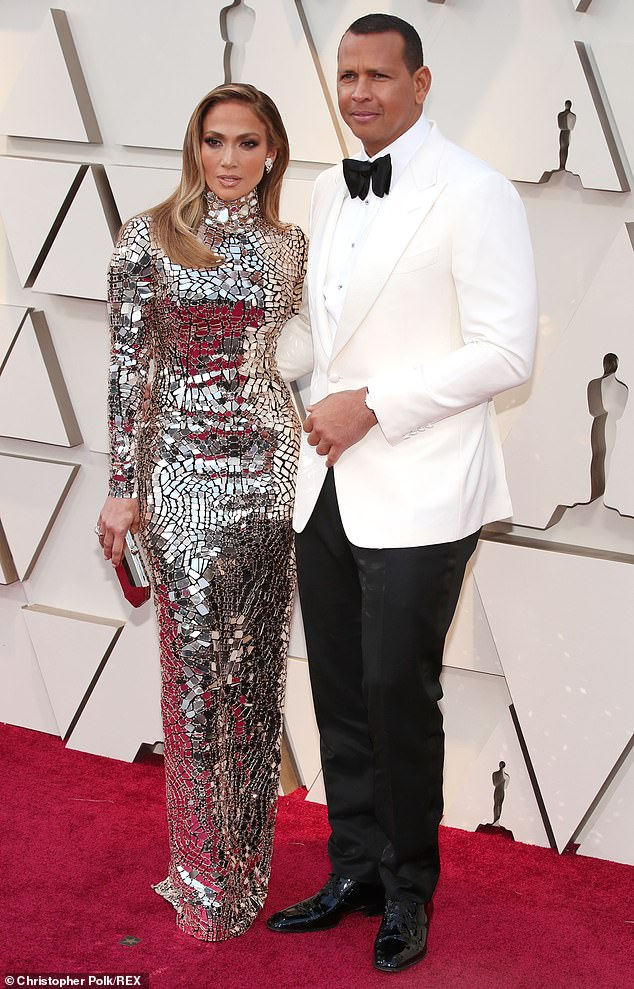 2b807747371 J Lo Wears Custom Tom Ford At The Oscars 2019 - Accessorising With Alex  Rodriguez