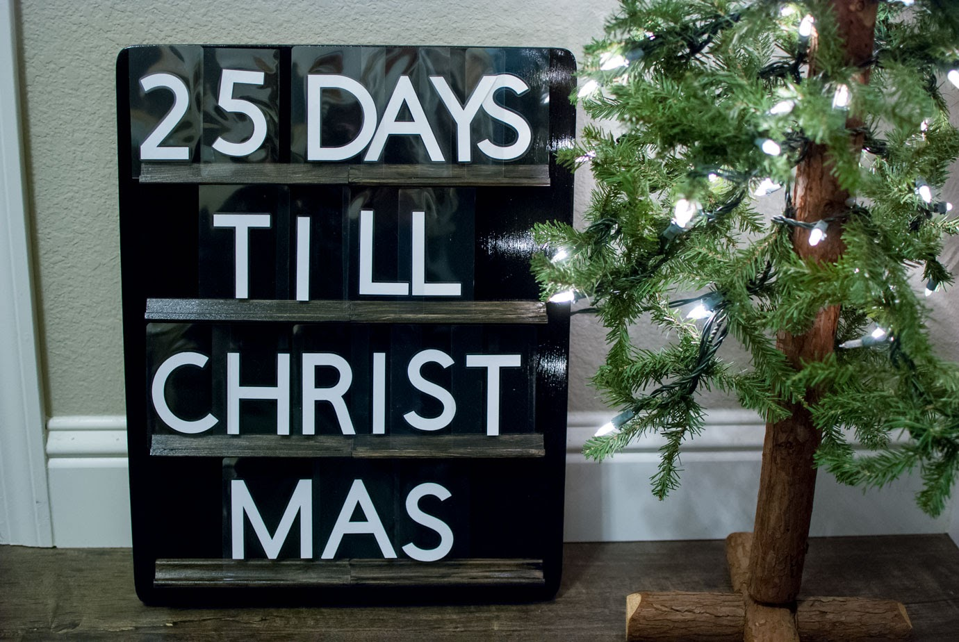 Christmas Countdown Letterboard Next to a Mini Christmas Tree