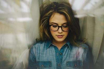 6 Tanda Pemikiran Cewek Sudah Matang & Pantas Di Bawa Ke Pelaminan