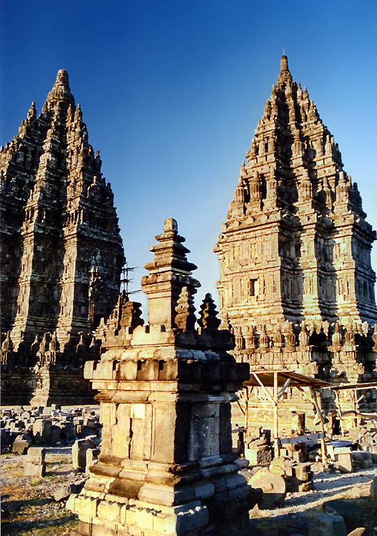 Standing Ovation: Prambanan Temple
