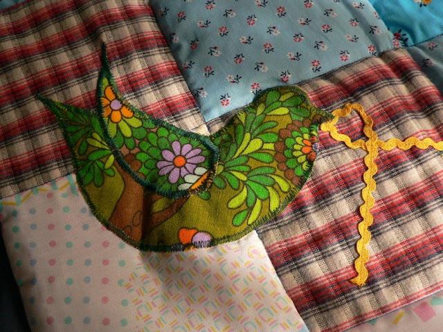 Babydecke Krabbeldecke Patchwork Decke nähen DIY Retrostoffe