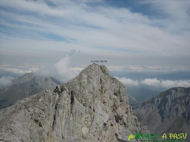Fontán Norte desde la cima del Fontán Sur