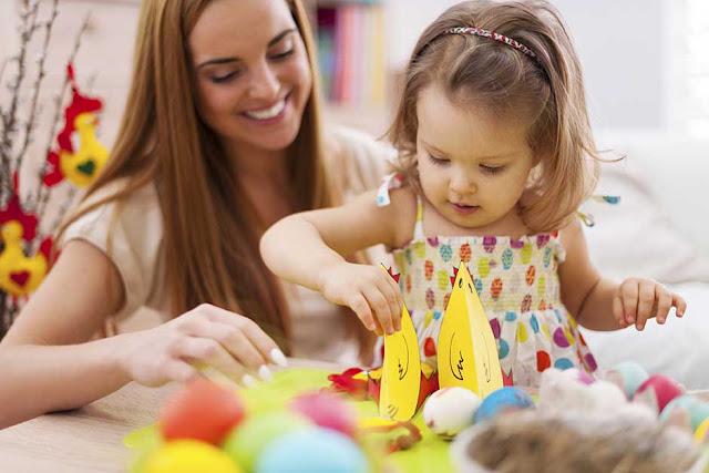 Ζητείται κοπέλα να εργαστεί ως baby sitter στο Ναύπλιο