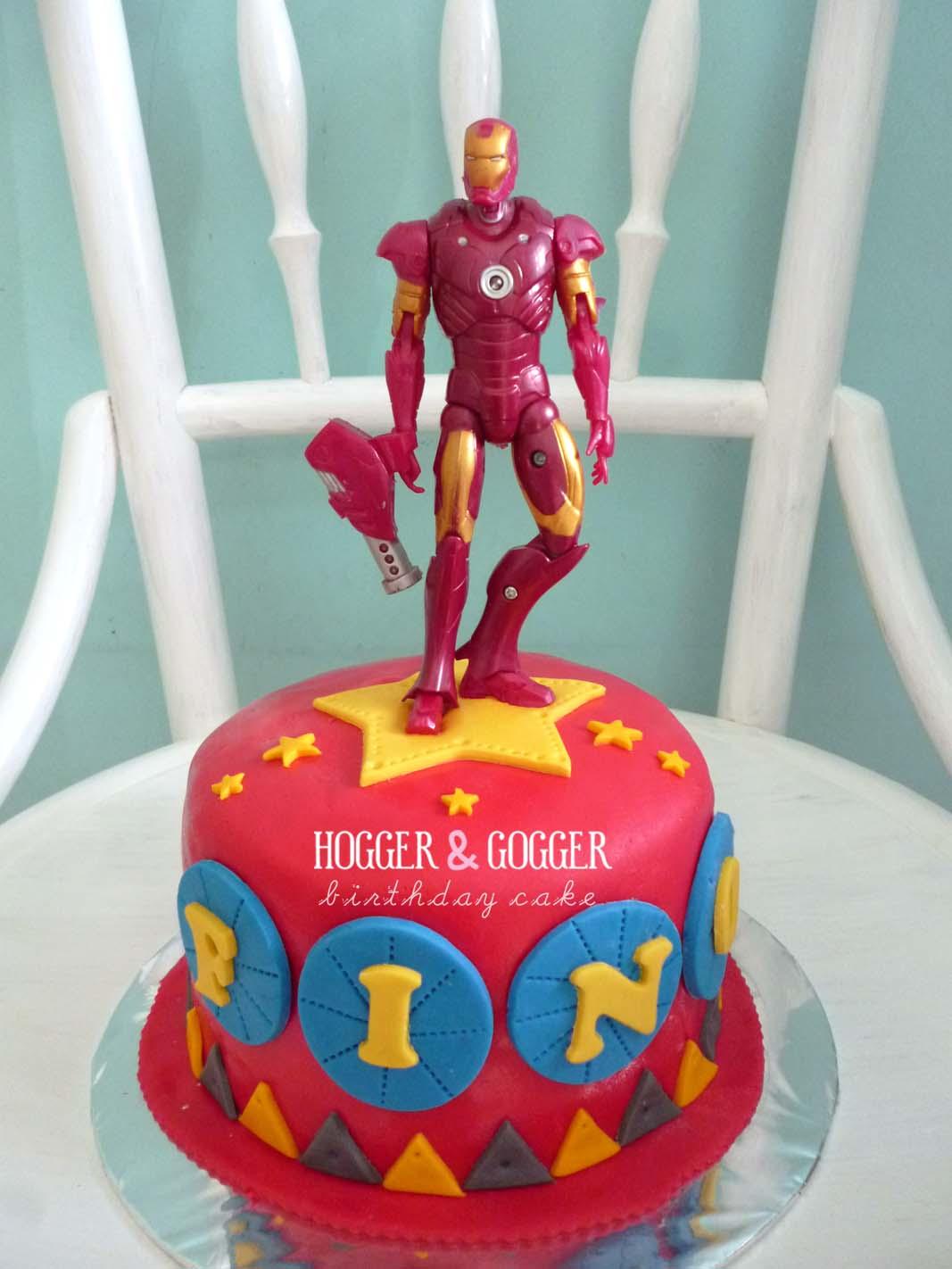 Hogger Amp Gogger Iron Man Birthday Cake