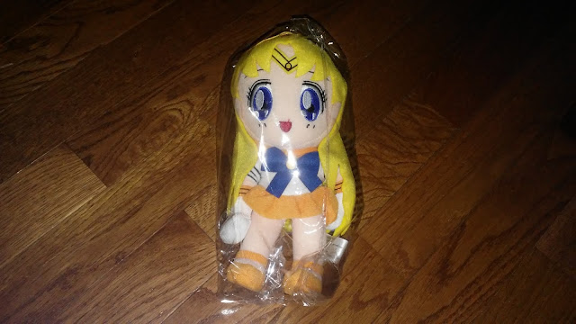 Right Stuf Anime Review $10 Magical Girl Blind Box Sailor Moon plush Sailor Venus plush toy
