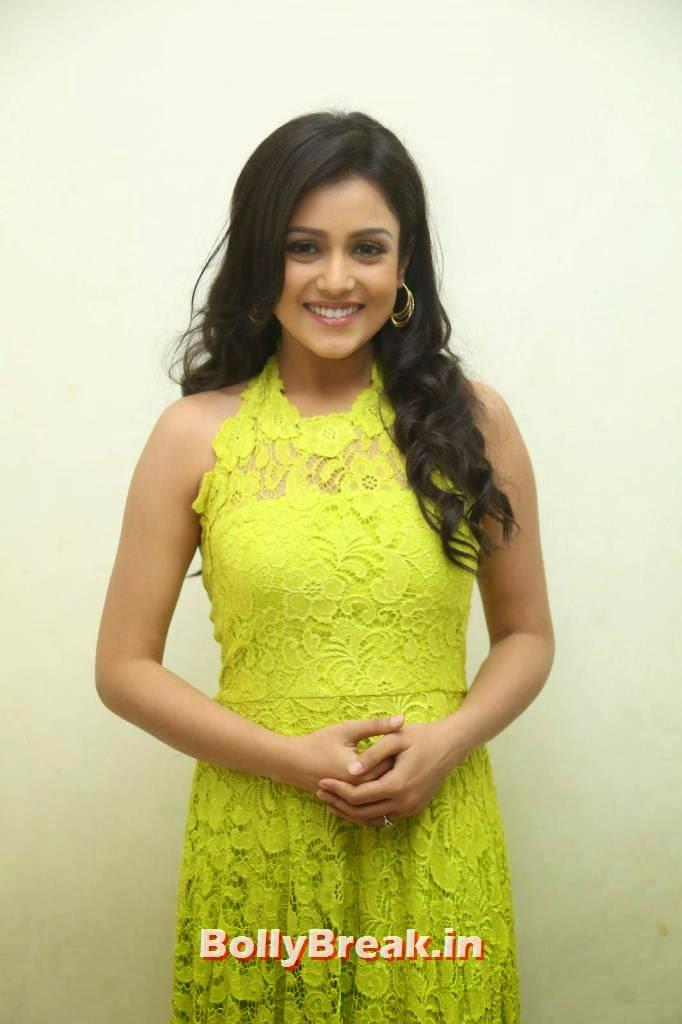 Actress Mishti Chakraborty Photos, Mishti Chakraborty hot Hd Images in Green Dress