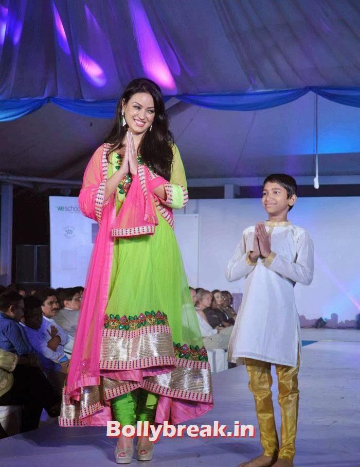 Maryam Zakaria, Maryam Zakaria Pics from Welingkar Fashion Show