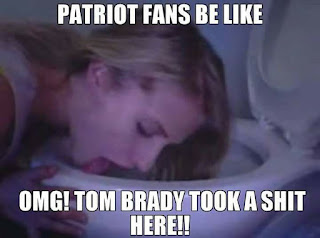 #Patriotfans be like OMG! Tom #brady took a shit here!!