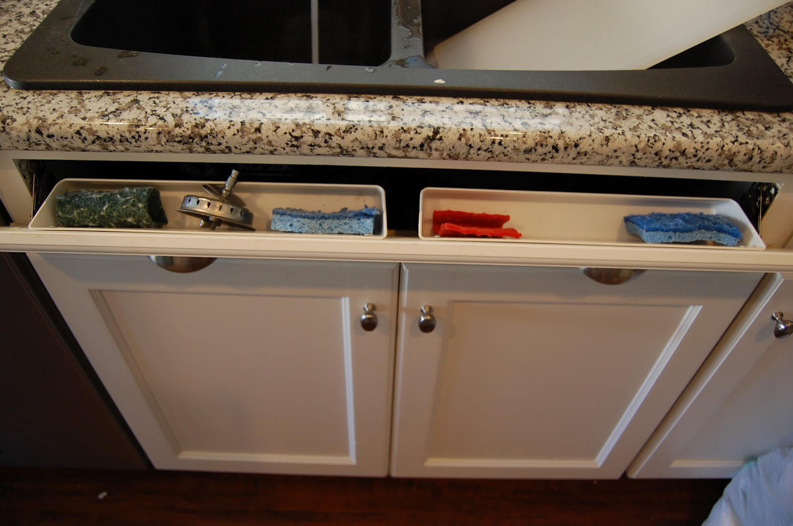 Clorox Sponges Kitchen Cabinet Cleaning