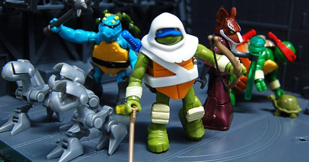 Plastic Heap Mega Bloks Ninja Turtle Blindbags Series 2