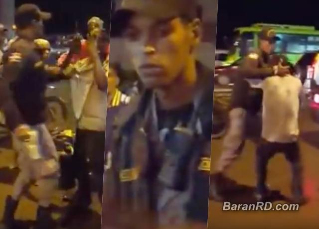 Video: Policía le da golpiza a un hombre en Villa Mella