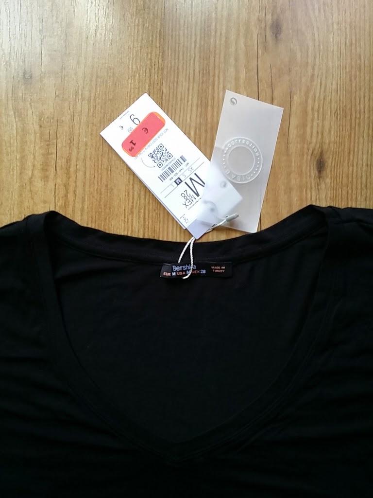 c96fc07f6b68 Busqué en mi DIY ROOM WORK y precisamente encontré los materiales ideales  para esta camiseta básica negra