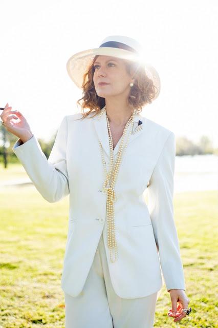 terninho branco e chapéu patricia pillar como isabel