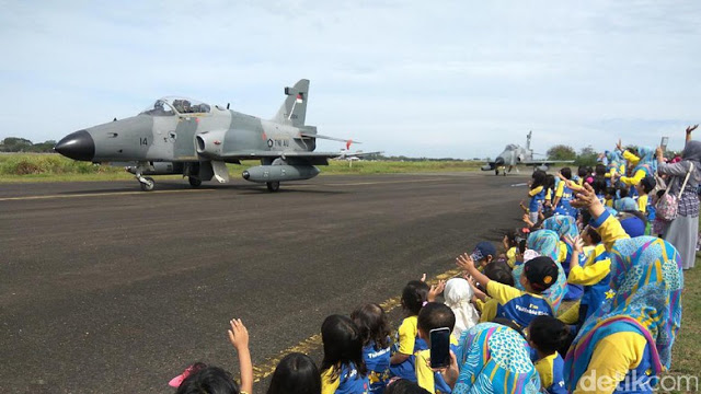 Ternyata Kehadiran Pesawat Tempur Masa Pilkada di Aceh Untuk Menghibur Warga Aceh