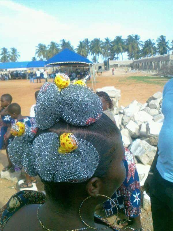 "Ladies, would you rock this ""iron sponge"" hairstyle?"